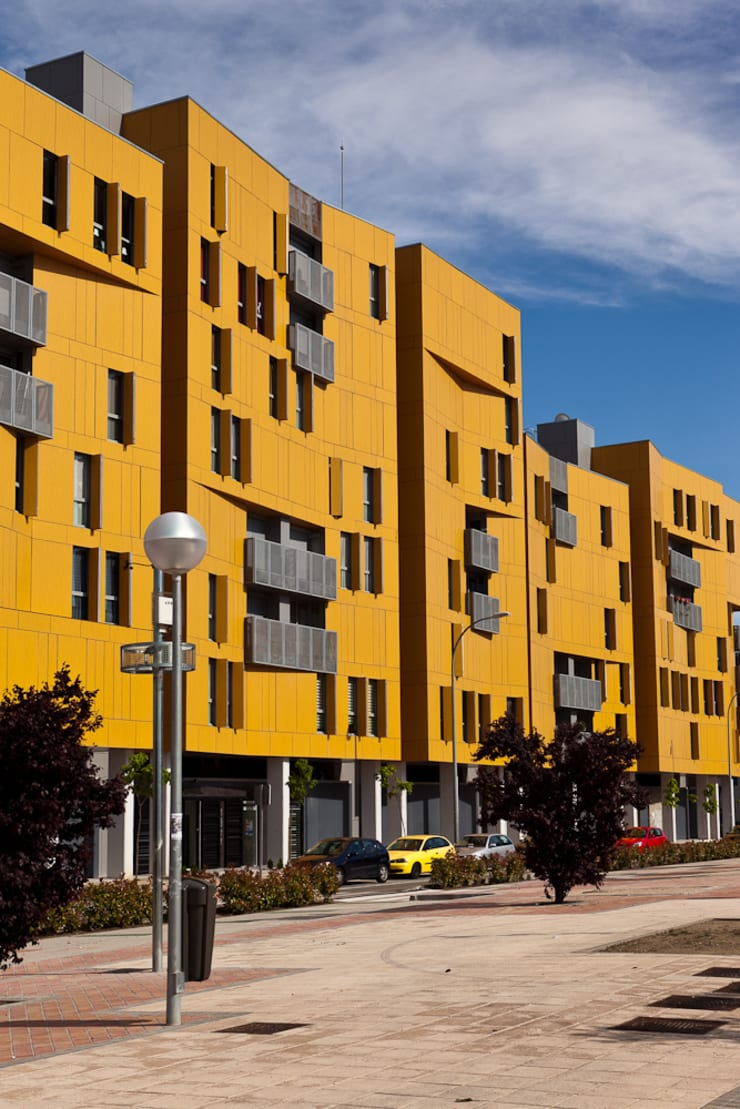 Madrid, nuevas arquitecturas: Casas de estilo  de Pedro Cobo, fotografía