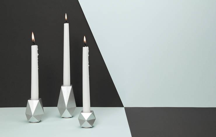 «KARAT» silber (roh):  Wohnzimmer von Mizko Design