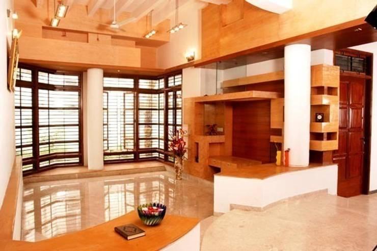 ANWAR SALEEM RESIDENCE: modern Living room by Muraliarchitects
