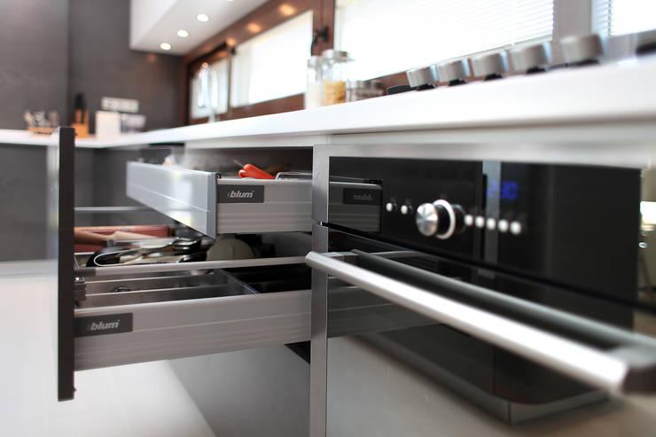 As Tasarım - Mimarlık – Y.S.ORAN VİLLASI:  tarz Mutfak
