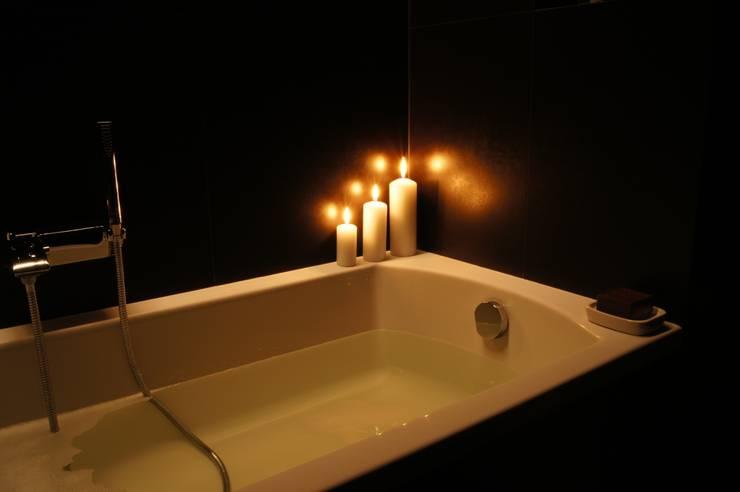 Klimatyczna łazienka: styl , w kategorii Łazienka zaprojektowany przez Aleksandra Jaros Pracownia Architektury i Wnętrz