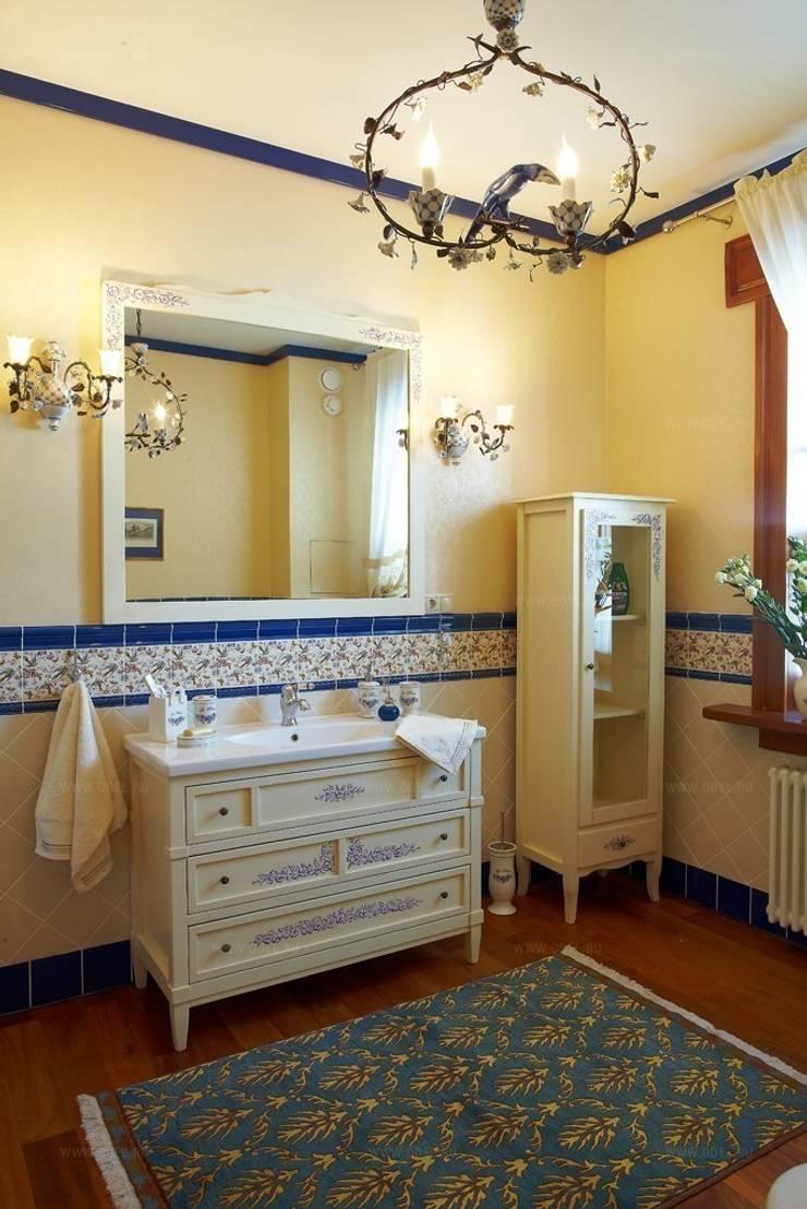 Гостевой дом, гостиница в Русском стиле: Ванные комнаты в . Автор – ODEL