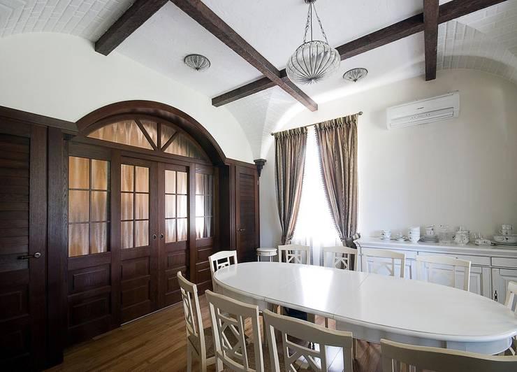Дом в Средиземноморском стиле: Столовые комнаты в . Автор – freelancer