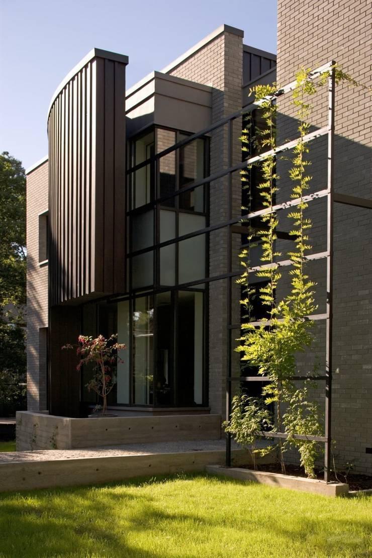 wejście: styl nowoczesne, w kategorii Domy zaprojektowany przez Marek Rytych
