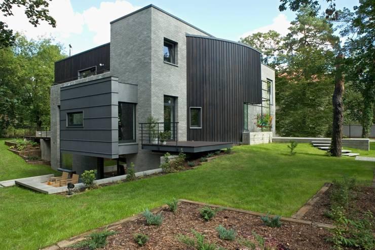 willa w aninie: styl , w kategorii Domy zaprojektowany przez Marek Rytych