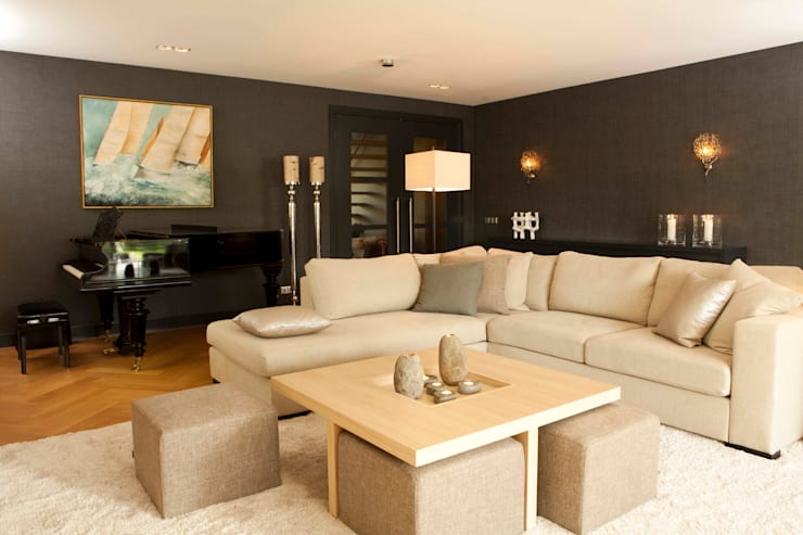 Project Mantel Moderne woonkamers van huis van strijdhoven Modern