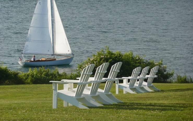 CASA BRUNO sillas Adirondack de poly-madera (PEAD): Hoteles de estilo  de Casa Bruno American Home Decor