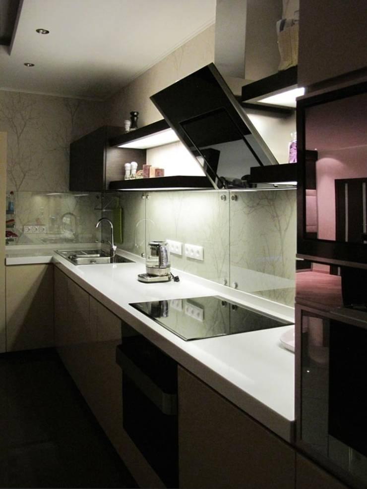 Квартира с мужским характером: Кухня в . Автор – Дизайн-студия Идея
