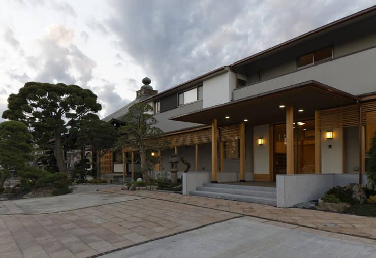 外観2 オリジナルな 家 の 矩須雅建築研究所 オリジナル