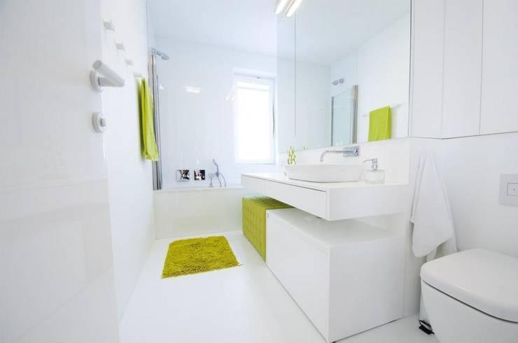 Mieszkanie na Sadach Żoliborskich: styl , w kategorii Łazienka zaprojektowany przez STOPROCENT Architekci