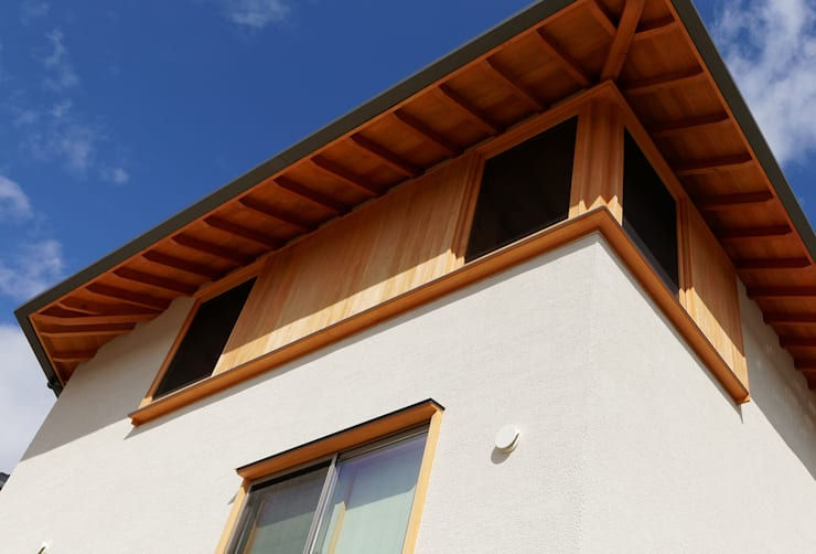 N House: 磯村建築設計事務所が手掛けた窓です。