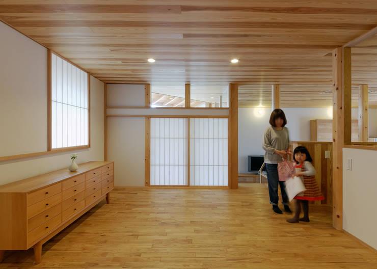 N House: 磯村建築設計事務所が手掛けた子供部屋です。