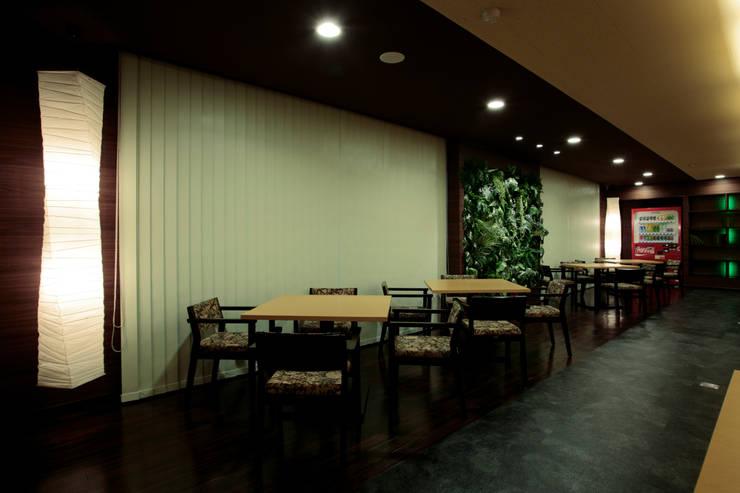 Офисы и магазины в . Автор – 谷山武デザイン事務所, Модерн