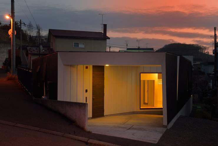 HMN residence 09: 浅香建築設計事務所 asaka architectural designが手掛けた家です。