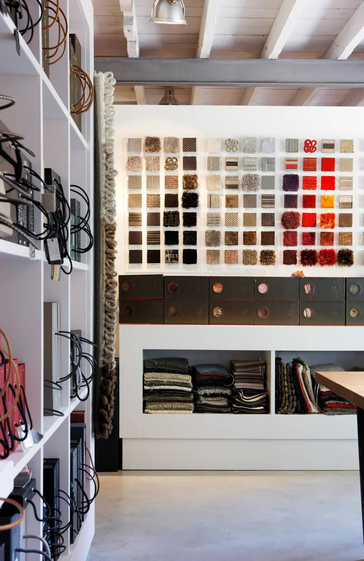 Showroom:   door huis van strijdhoven