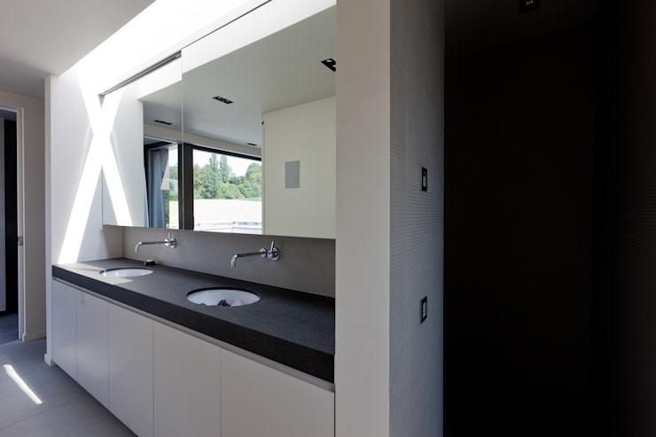 Bathroom by areal architecten cvba