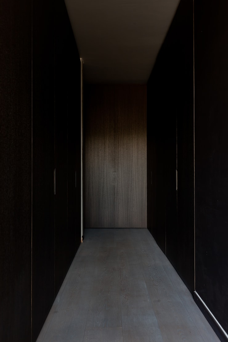 Dressing room by areal architecten cvba