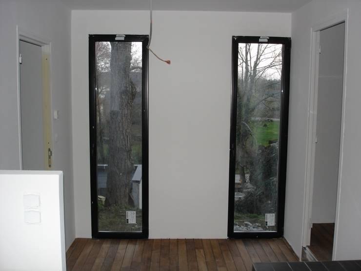 Maison à Vigneux De Bretagne 44: Chambre de style  par Archimat Creation