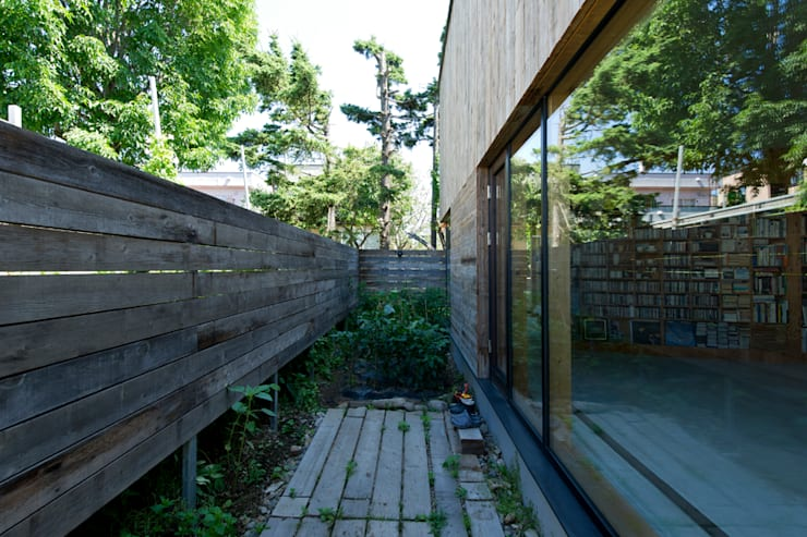 ATMN: アーキラボ・ティアンドエムが手掛けた庭です。