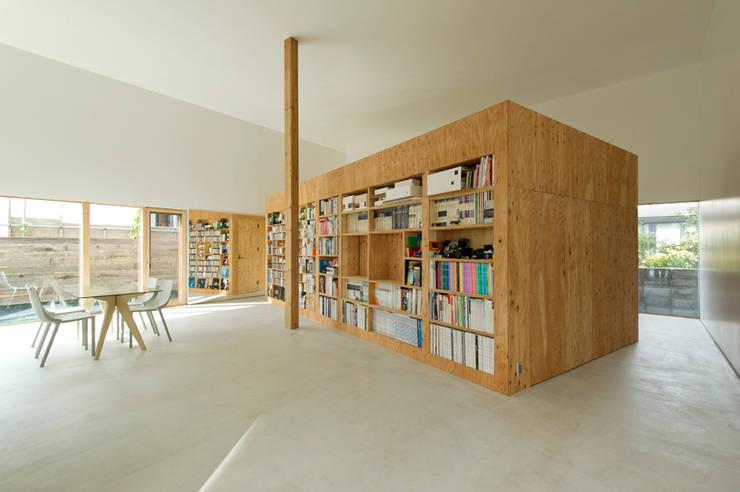 ATMN: アーキラボ・ティアンドエムが手掛けた書斎です。