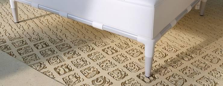 inscriptie in de vloer:   door ARX architecten