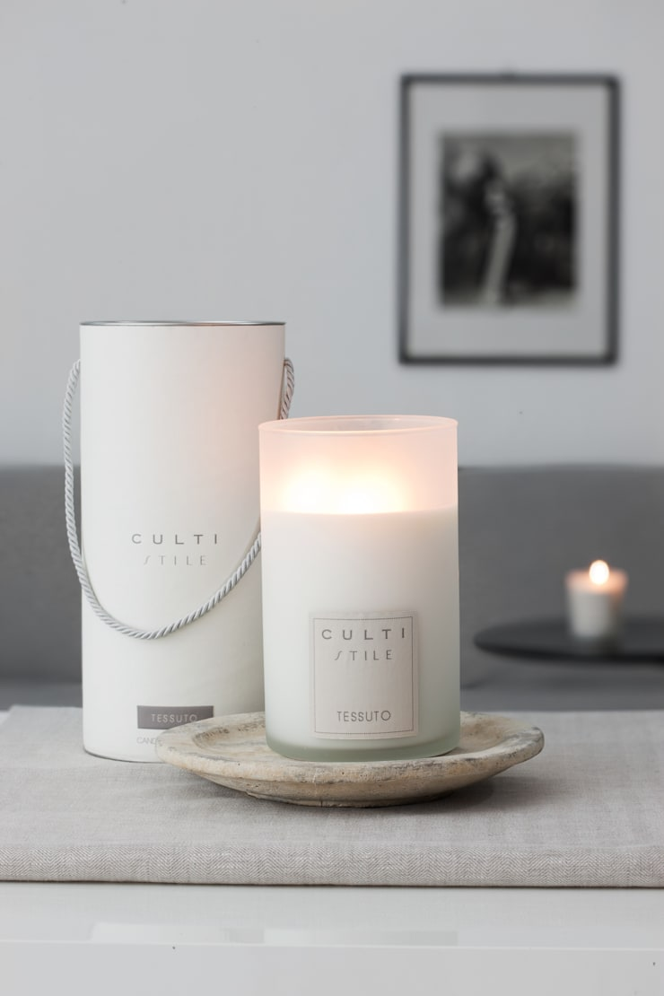 Culti Candles:  Living room by Rooi