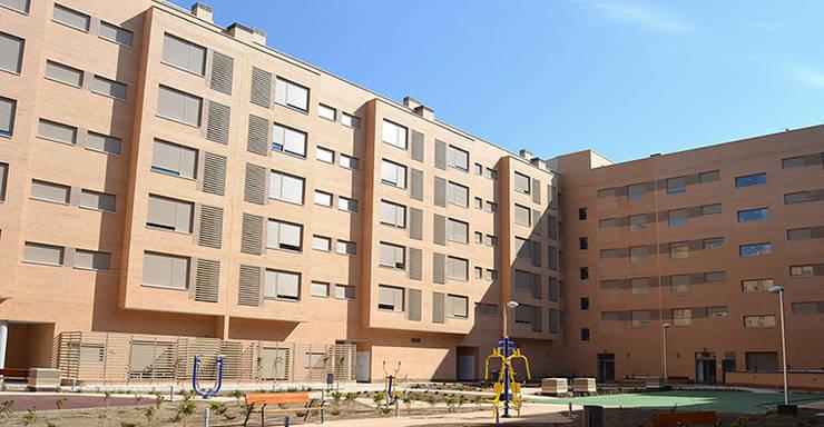 Vista patio de manzana: Casas de estilo  de ALIA, Arquitectura, Energía y Medio Ambiente