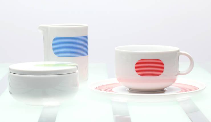 NEW ATELIER _ BLUE, RED, GREEN Ćmielów Design Studio by Modus Design: styl , w kategorii Gospodarstwo domowe zaprojektowany przez Marek Cecuła Modus Design