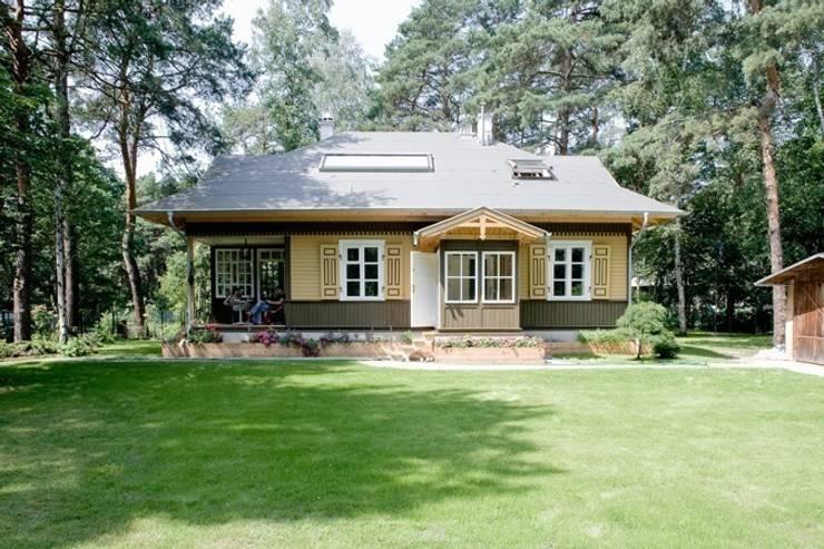 dom w Wawrze: styl rustykalne, w kategorii Domy zaprojektowany przez Marek Rytych