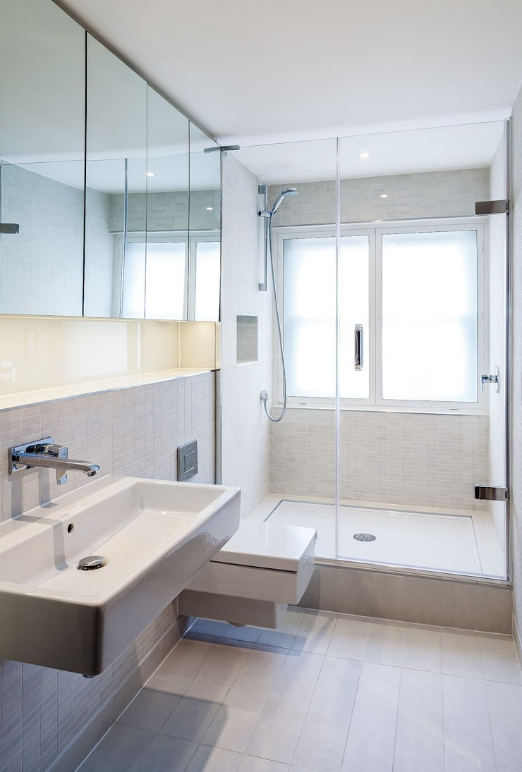 64 Harley Street:  Bathroom by Sonnemann Toon Architects