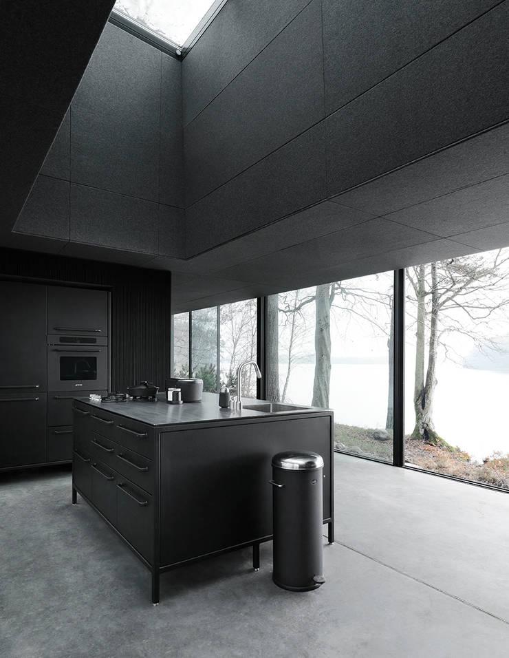 Vipp kitchen:  Kitchen by Vipp