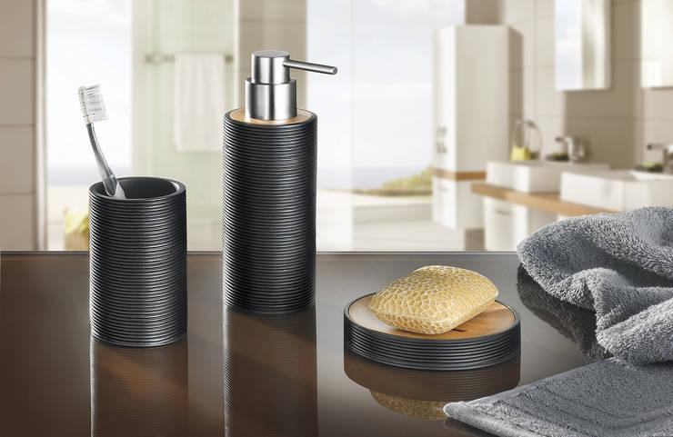 Kyoto- die Accessoire-Serie von Kleine Wolke: moderne Badezimmer von Kleine Wolke Textilgesellschaft mbH & Co. KG
