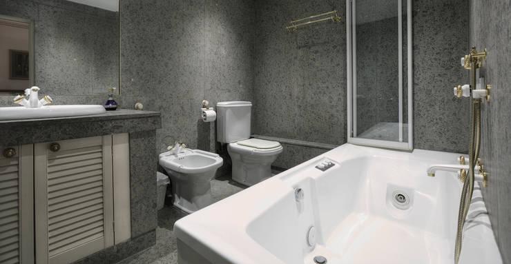 Bathroom: modern Bathroom by Temza design and build