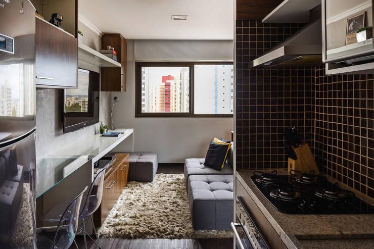 Apartamento LP: Cozinhas  por BEP Arquitetos Associados