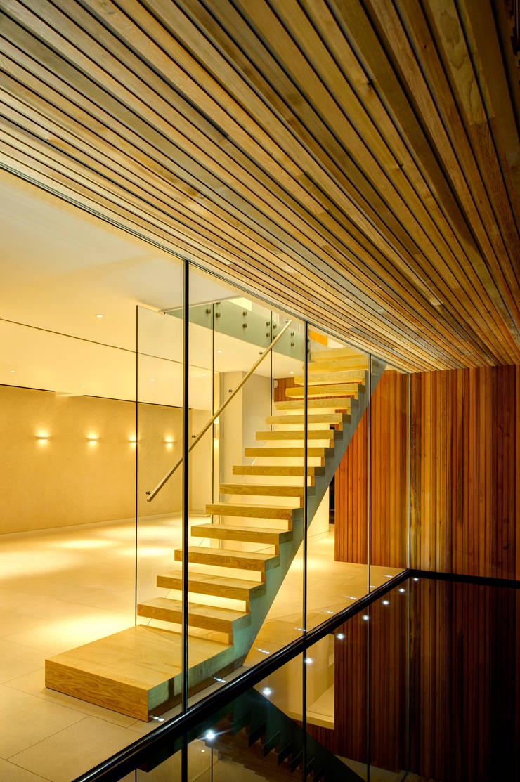 Water:  Corridor & hallway by MZO TARR Architects