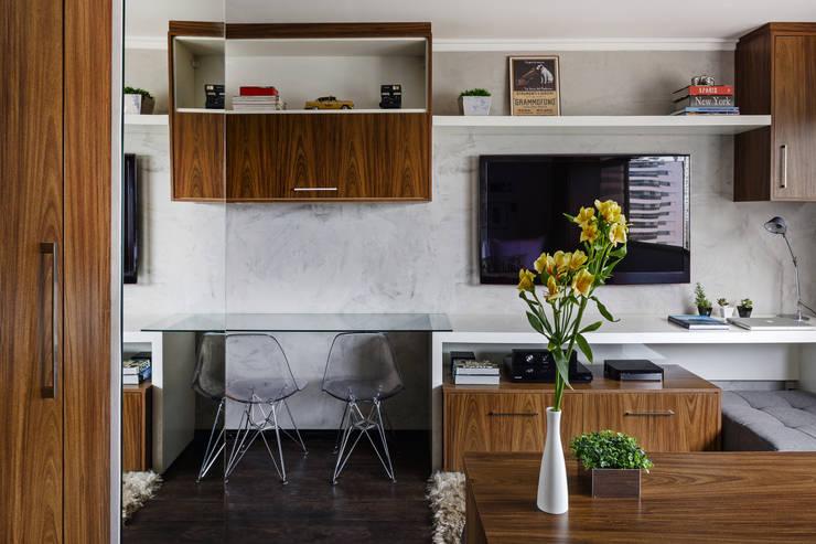 Apartamento LP: Salas de estar  por BEP Arquitetos Associados