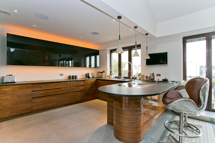 Kitchen by Temza design and build, Modern