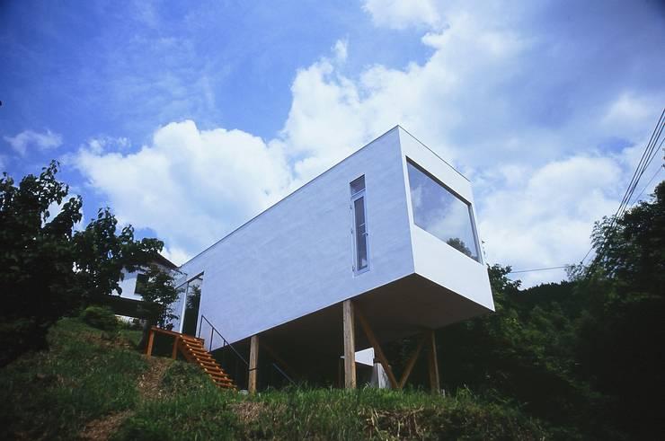 喫茶 陶花 お日さまのあるとき.: 宮城雅子建築設計事務所 miyagi masako architect design office , kodomocafe が手掛けた商業空間です。,ミニマル