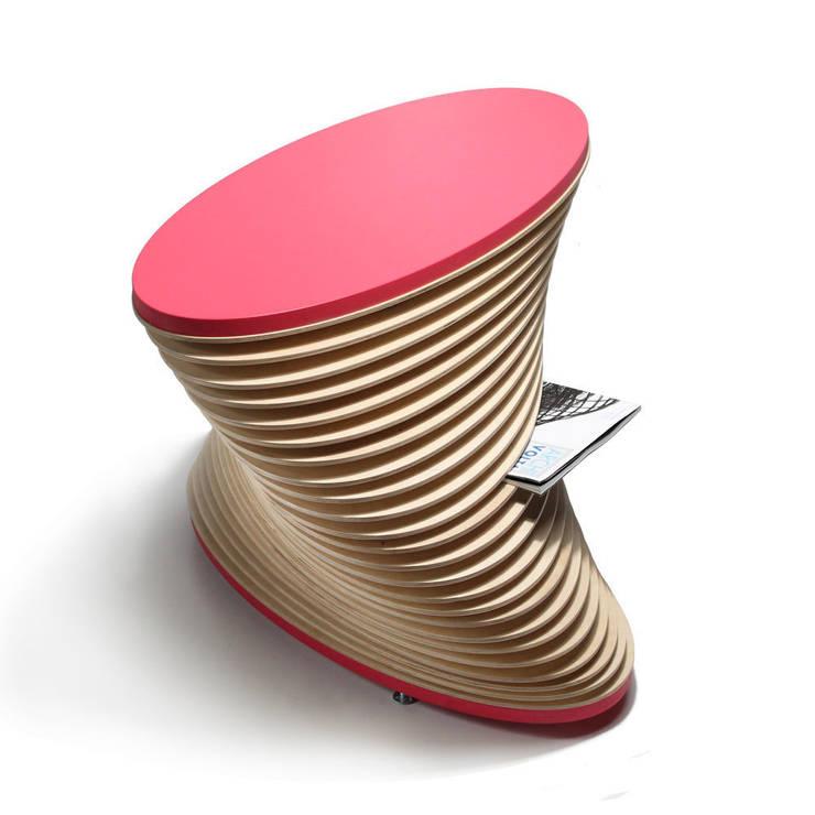 KLIFF – stolik kawowy z funkcją gazetnika: styl , w kategorii Salon zaprojektowany przez OM STUDIO