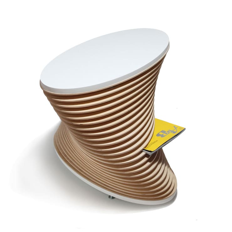 KLIFF - stolik kawowy z funkcją gazetnika: styl , w kategorii Salon zaprojektowany przez OM STUDIO