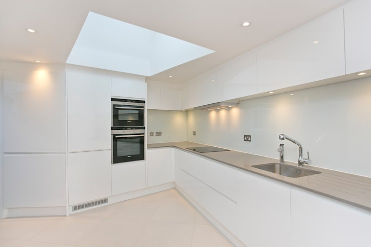 Kitchen:  Kitchen by Temza design and build