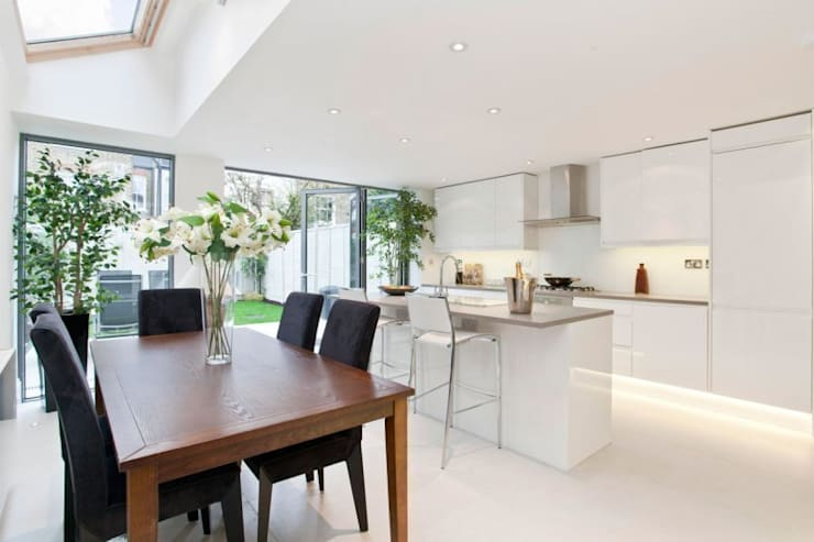 Narbonne Avenue Clapham:  Kitchen by Bolans Architects