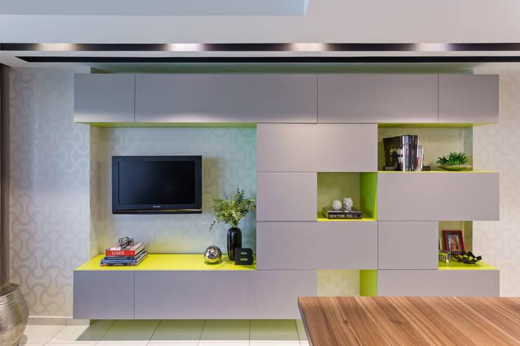 Salas de entretenimiento de estilo  por BEP Arquitetos Associados