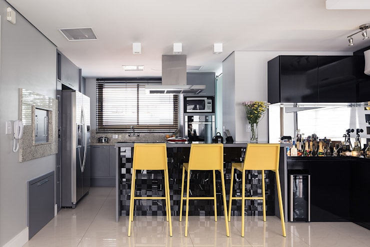 Livings de estilo  por Blacher Arquitetura