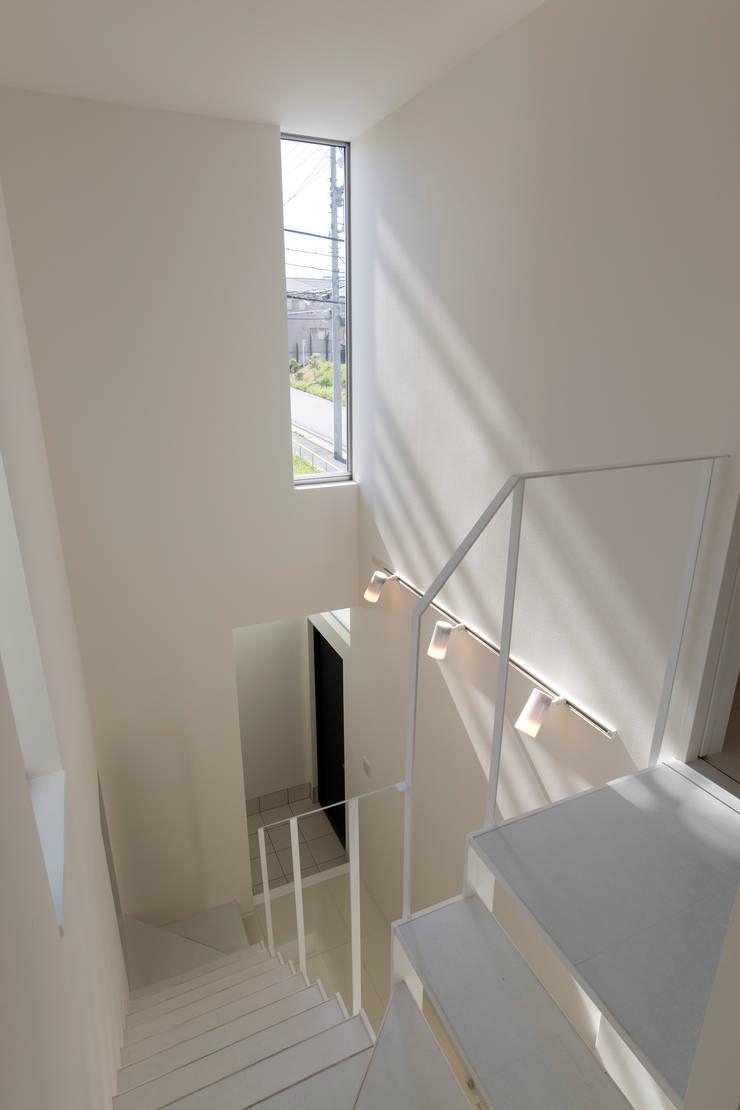 エントランスホール: スタジオクランツォ一級建築士事務所が手掛けたです。
