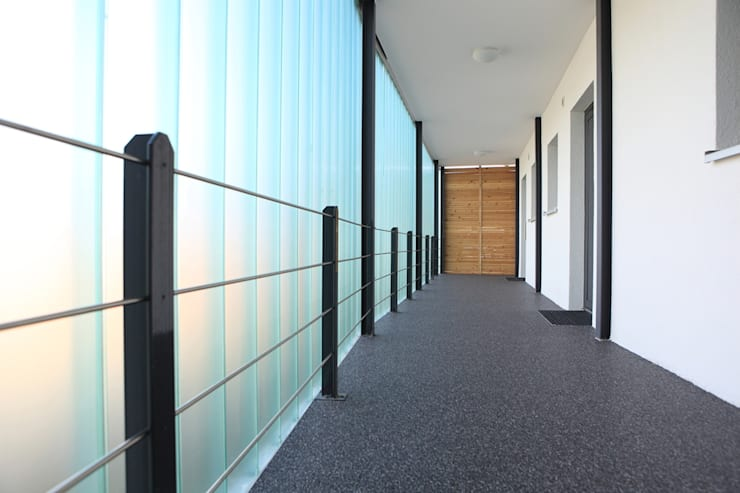Projekty,  Korytarz, przedpokój zaprojektowane przez JA3