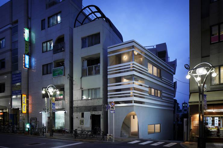 M-BUILDING: RCageが手掛けた商業空間です。