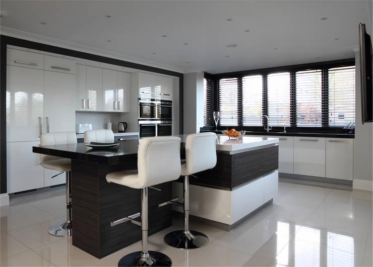 Contemporary kitchen in Hertfordshire:  Kitchen by John Ladbury and Company