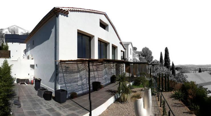 Maison Manet: Maisons de style de style Méditerranéen par Tout Va Bien - Stéphane Herpin architecte