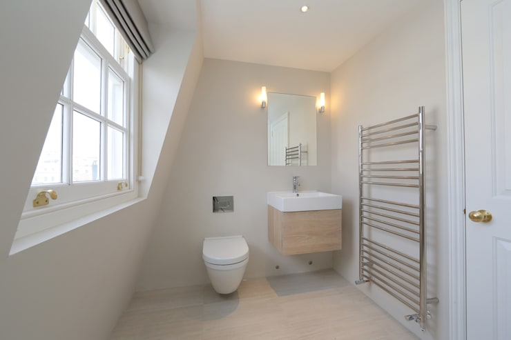 ​double mansard loft conversion chelsea:  Bathroom by nuspace